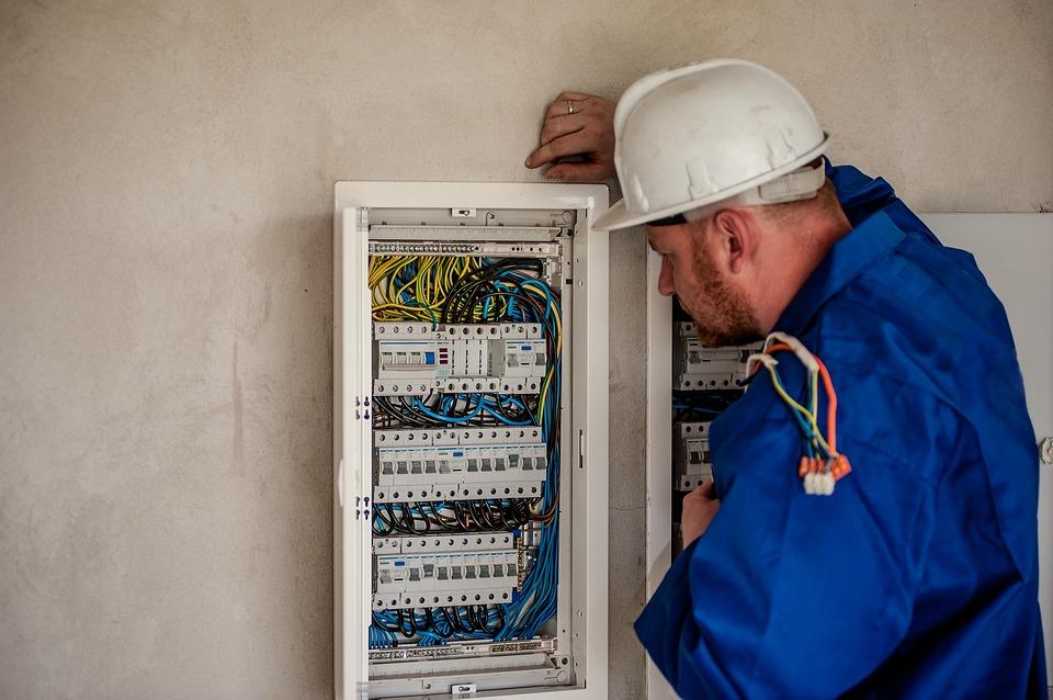 Comment faire pour être un bon Electricien?