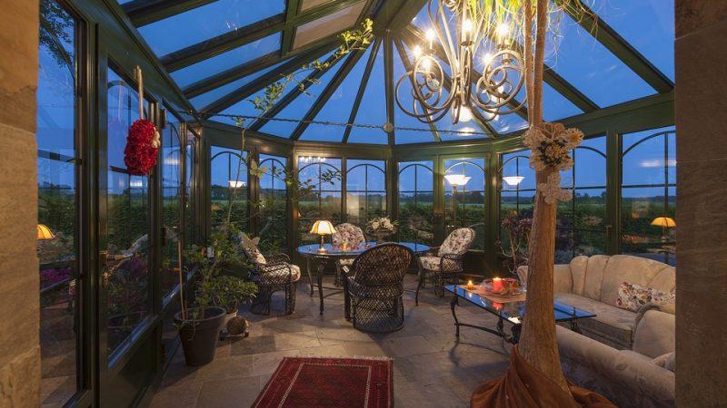 Tout l'intérêt d'une véranda dans votre jardin